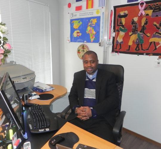 Dr. med. Dr. Charles Senessie
